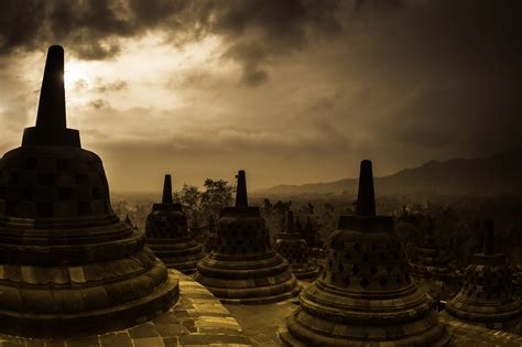 Indonesia - in Asia - Thousand Wonders