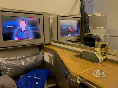 American Airlines 777-300ER First Class from HKG-LAX - La