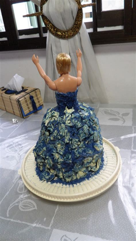 Drag Queen Birthday Cake · A Doll Cake · Construction and