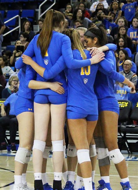 Gallery: UCLA women's volleyball falls short against USC