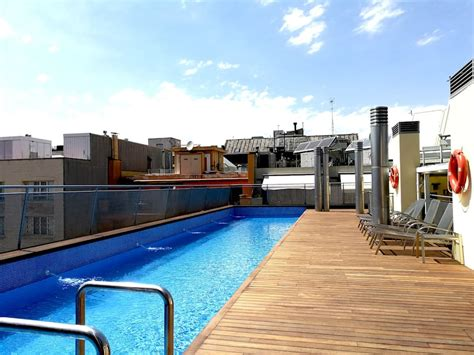 Barcelona in Style suite31 1bd rooftop pool center