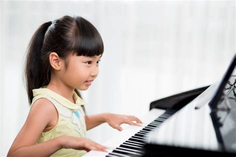Signs Your Kid Is a Genius | LoveToKnow