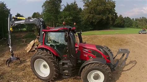 Valtra Forst in Aktion - YouTube